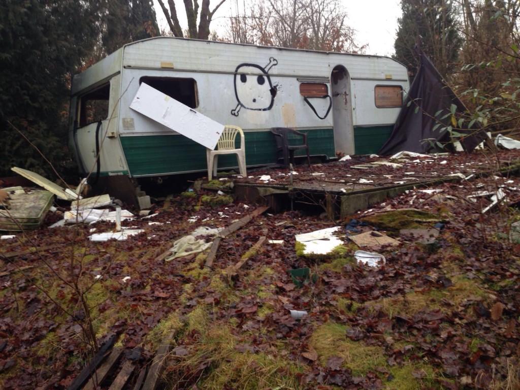 Klosterpark Adelberg erste Aufraeumarbeiten auf ehemaligem Campingplatz
