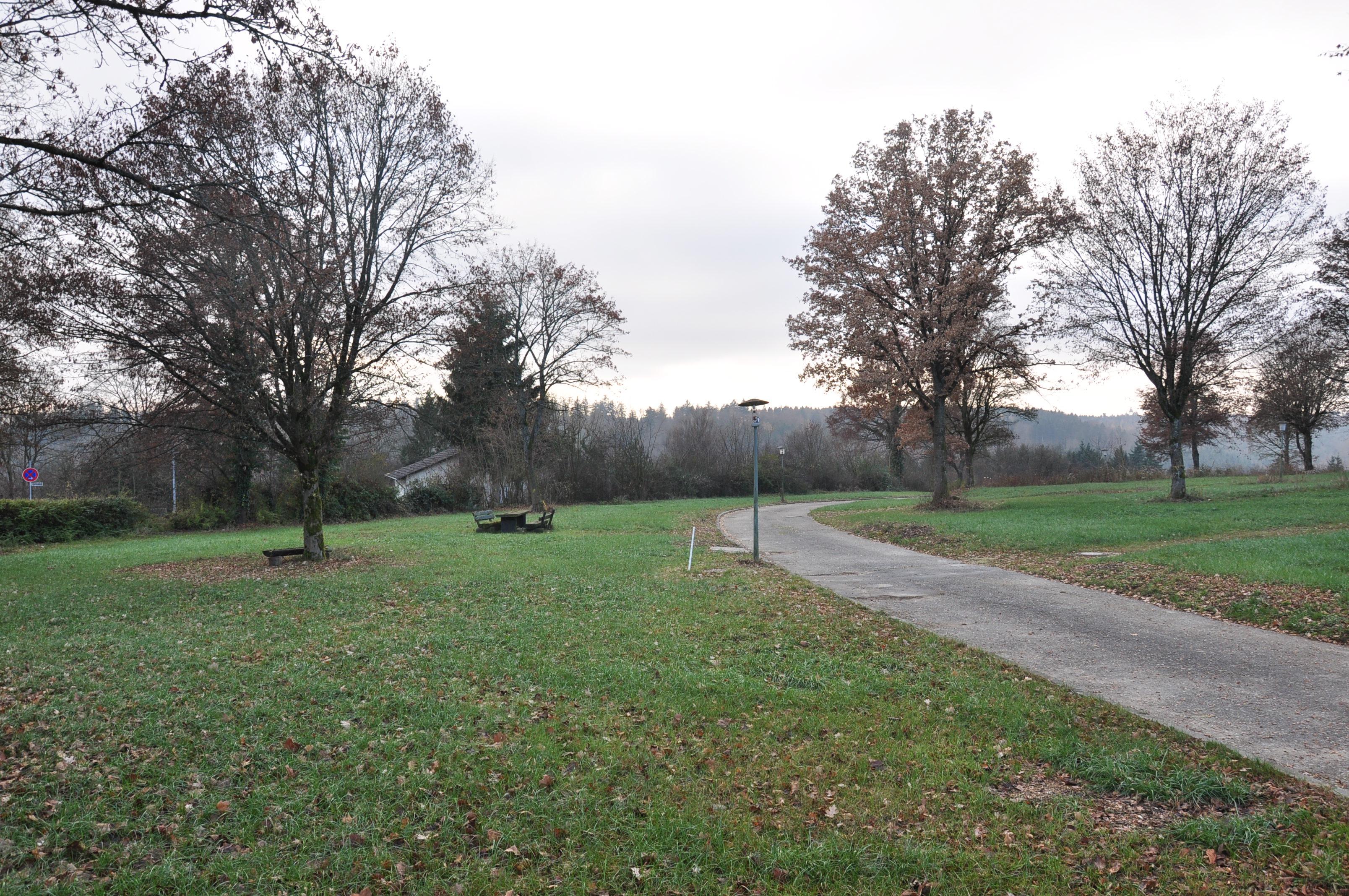 ADELBERG, Dez. 2016 - ehemaliger Campingplatz ist für Spaziergänger geöffnet